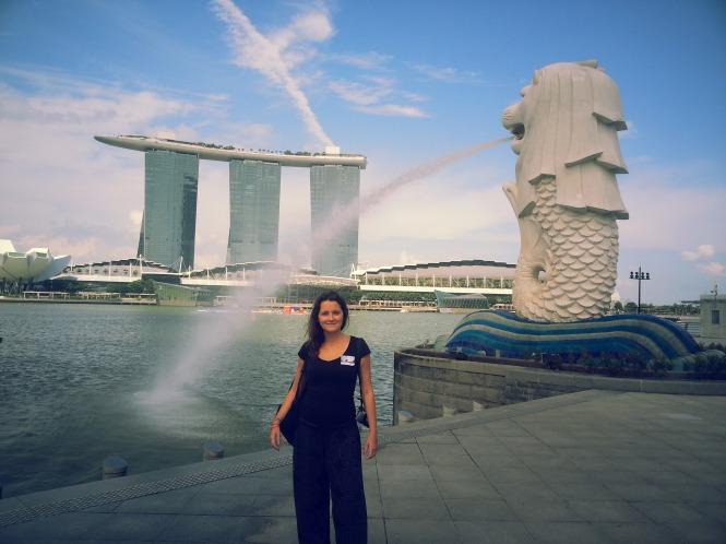 En Singapur, con el hotel Marina Bay Sands al fondo
