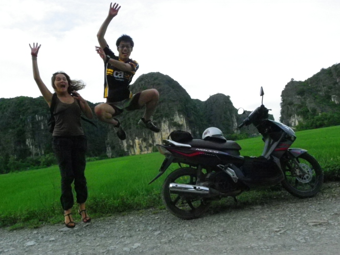 Con Shogo, el japonés más loco y simpático que he conocido. Ninh Binh. Vietnam.